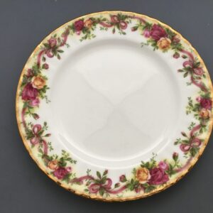 """Royal Albert """"Old Country Roses"""" Ruby Celebration"""