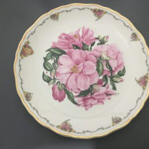 Royal Albert The Queen Mother's Favourite Flowers Collectors Plate